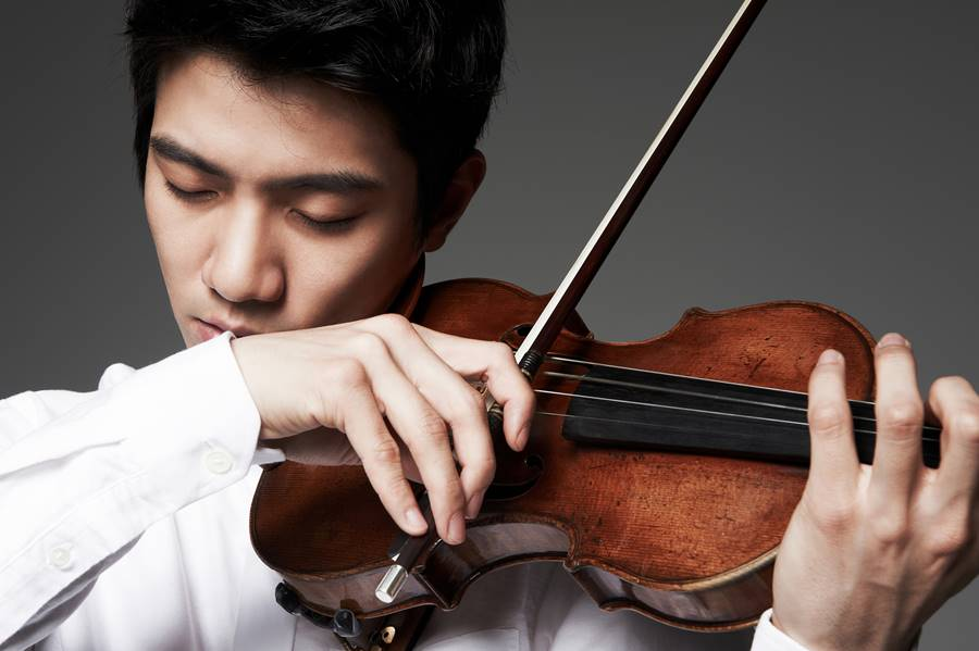 바이올리니스트 김영욱